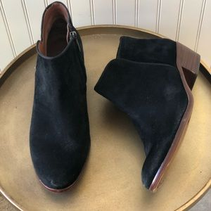 SAM EDELMAN PETTY BLACK ANKLE BOOTIE. SIZE 8